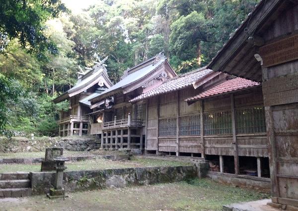 https://fuushi.k-pj.info/jpgj/simane/goutu-c/ninomiya-t/kannusi/tabatoJ/tabatoJ-a05.jpg