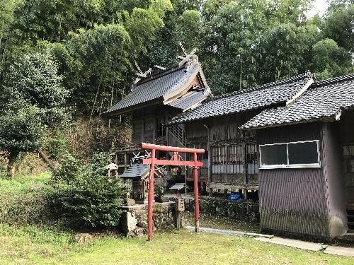 https://fuushi.k-pj.info/jpgj/simane/izumo/sada-t/simohasinami/hasuwa-j/hasuwaJ-07.jpg