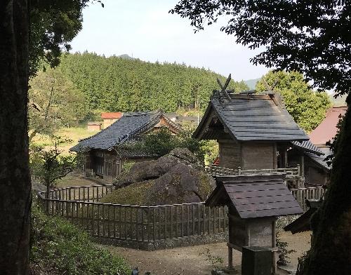 https://fuushi.k-pj.info/jpgj/simane/izumo/sada-t/tanbe/tabe-j/tabeJ-07.jpg