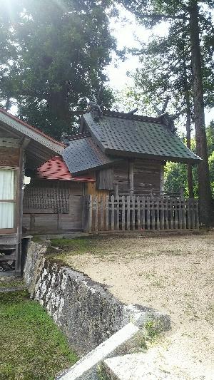 https://fuushi.k-pj.info/jpgj/simane/nita-g/okuizumo-t/k-mitokoro/isari-j/isariJ-a04.jpg