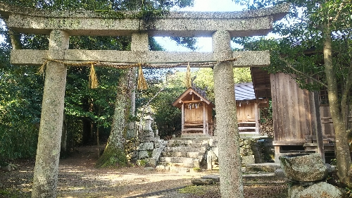 https://fuushi.k-pj.info/jpgj/simane/nita-g/okuizumo-t/mitokoro/sugahiJ/sugahiJ-01.jpg
