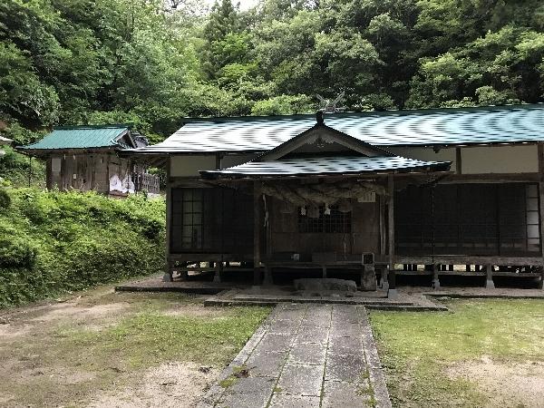 http://fuushi.k-pj.info/jpgj/simane/nita-g/okuizumo-t/sajiro/igatake/igatake-04.jpg
