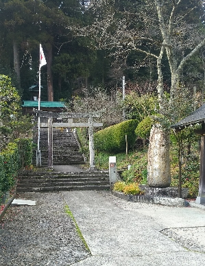 https://fuushi.k-pj.info/jpgj/simane/nita-g/okuizumo-t/yasiro/osikiri-J/osikiriJ-01.jpg