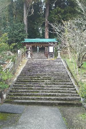 https://fuushi.k-pj.info/jpgj/simane/nita-g/okuizumo-t/yasiro/osikiri-J/osikiriJ-03.jpg
