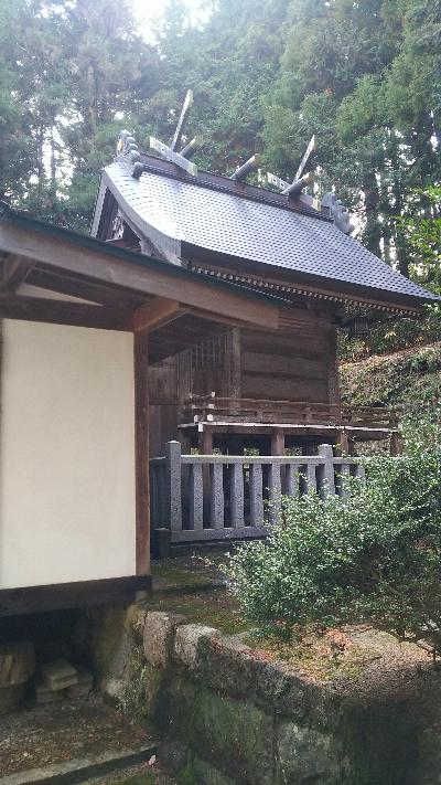 https://fuushi.k-pj.info/jpgj/simane/nita-g/okuizumo-t/yasiro/osikiri-J/osikiriJ-08.jpg