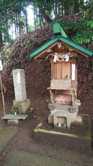 https://fuushi.k-pj.info/jpgj/simane/nita-g/okuizumo-t/yasiro/osikiri-J/osikiriJ-11.jpg
