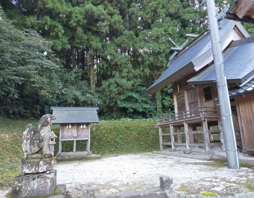 https://fuushi.k-pj.info/jpgj/simane/unnan-c/kamo-t/tatibara/sumineJ/sumineJ-a05.jpg