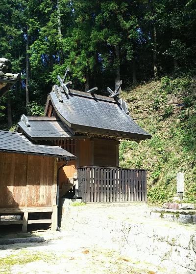 http://fuushi.k-pj.info/jpgj/simane/unnan-c/mitoya-t/awadani/awadani-j/awadani-04.jpg