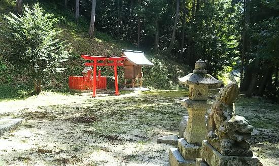 http://fuushi.k-pj.info/jpgj/simane/unnan-c/mitoya-t/awadani/awadani-j/awadani-06.jpg