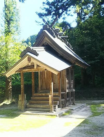 http://fuushi.k-pj.info/jpgj/simane/unnan-c/mitoya-t/takuwa/iisi-j/iisi-b01.jpg