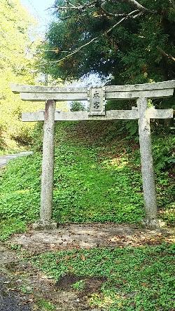 http://fuushi.k-pj.info/jpgj/simane/yasugi-c/hirose-t/higasihida/nawakuri-j/nawakuri-08.jpg