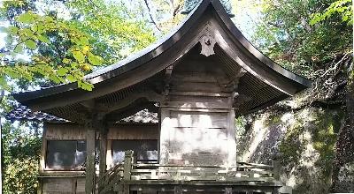 http://fuushi.k-pj.info/jpgj/simane/yasugi-c/hirose-t/higasihida/nawakuri-j/nawakuri-10.jpg