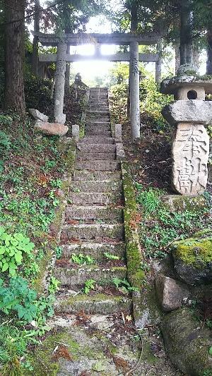 http://fuushi.k-pj.info/jpgj/simane/yasugi-c/hirose-t/nisihida/oigami/mati-j/mati-01.jpg